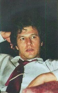 Inspiration for all. Imran Khan Cricketer, Imran Khan Pakistan, Reham Khan, Cricket World Cup, King Of Hearts, Living Legends, Interesting Faces, Hero, Memories