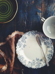 Blue Transferware a simple setting full of beauty.  ~Mary Walds Vintage Place - thursday thoughts - Jelly Toast