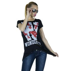 Tricou Dama Roses  -Tricou dama  -Model lejer, usor asimetric  -Detaliu franjuri la spate     Lungime: 61cm  Lungime colt: 76cm  Compozitie: 95%Vascoza, 5%Lycra Model, T Shirt, Tops, Fashion, Supreme T Shirt, Moda, Tee Shirt, Fashion Styles