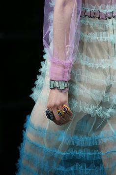 Gucci Spring 2016 Ready-to-Wear Accessories Photos - Vogue. Inspiration for Model Under Cover. http://www.carinaaxelsson.com