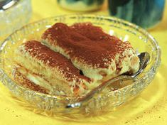 Tiramisu w Limoncello. Limoncello, Scones, Sweets, Breakfast, Ethnic Recipes, Desserts, Food, Lemon, Morning Coffee