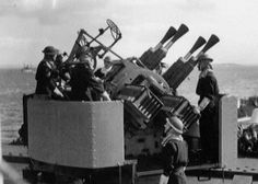 """2 pdr Royal Navy """"pom poms"""" anti-aircraft gun - Four barrelled mounting - Used on Cruisers and Destroyers"""