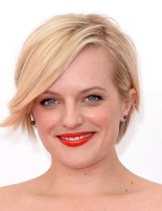 Elisabeth Moss great hair and makeup at the Emmys 2013|Lainey Gossip Entertainment Update