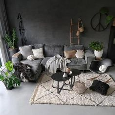 The Chronicles of Most Popular Small Modern Living Room Design Ideas for 2019 Attempt to choose what you are interested in getting the room to feel like. Then think of the activities that you do in your living room. Making the select Casual Living Rooms, Boho Living Room, Living Room Modern, Interior Design Living Room, Living Room Decor, Dark Grey Walls Living Room, Small Living Room Designs, Dining Room, Modern Sofa