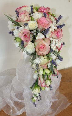 Pretty trailing bouquet