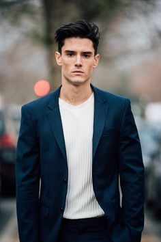 basics // navy blazer, sweater, winter, blue, haircut, hairstyle, street style, menswear, mens fashion