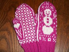 These happy snowmen will bring a smile to any face. Knit in the round from the cuff up, with a gusseted thumb. The heart on the thumb and the X's and O's at the base will remind the wearer of the LOVE that went into their construction!