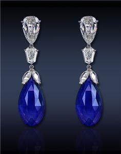 Briolette pendientes de gota, Con: Gublin Certified 37.72 Ct Briolette Cut azul zafiro (2 Stones), coronada por 7,53 Ct diamantes de corte mixto creado en Platino.