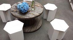 "Papphocker beim Brunch-Event ""Brunch Mafia""  Carton stools Stange Design Berlin"