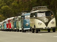 vw bus this is the way it should be Volkswagen Transporter, Volkswagen Bus, Vw T1, Cool Sports Cars, Sport Cars, Cool Cars, Combi Ww, Vw Caravan, Vw Beach