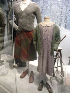 Lion and the Witch Narnia Costumes, Movie Costumes, Halloween Costumes, Nerd Costumes, Vampire Costumes, Witch Costumes, Halloween 2017, Susan Pevensie, Lucy Pevensie