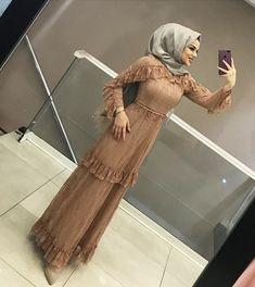 Muslim Fashion, Hijab Fashion, Girl Fashion, Fashion Dresses, Hijab Prom Dress, Dresses Dresses, Dance Dresses, Dress Brokat Modern, Hijabi Gowns