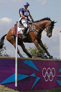 Weirdsport: Aurelien Kahn of France rides Cadiz