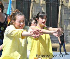 Bailarina con sindrome de down: HOY HE EMPEZADO A TEATRO Escrito por Haizea