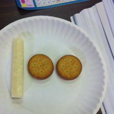 day of school snack. Cheese and stacks of Ritz crackers to create the number Healthy School Snacks, School Treats, School Gifts, School Parties, 100 Day Of School Project, 100 Days Of School, School Holidays, Cute Kids Snacks, 100 Day Celebration