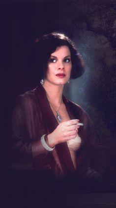 Miller's Crossing - Marcia Gay Harden as Verna Bernbaum sister of the two-bit sheeny Bernie Bernbaum #GangsterMovie #GangsterFlick