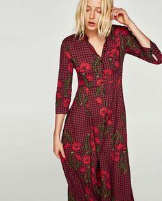 Red plaid dress with flowers Long Shirt Dress, Midi Shirt Dress, Plaid Dress, Vestidos Animal Print, Animal Print Dresses, Zara, Robes Midi, Flower Dresses, Midi Dresses