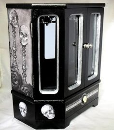 LOVE THIS WANT!!!!! Gothic Jewelry Box by Nacreous Alchemy