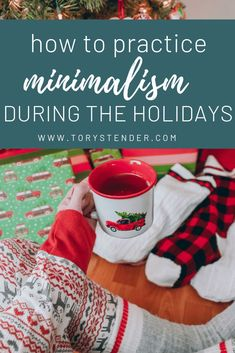 HOW TO HANDLE GIFT GIVING AS A MINIMALIST - Tory Stender / minimalism during christmas / minimalist holidays / simplify christmas / simple living christmas / improve your holidays / reduce stress at christmas Minimalist Parenting, Minimalist Baby, Minimalist Lifestyle, Minimalist Christmas, Simple Living, Minimal Living, Advent Calendar Activities, Christmas Hacks, Christmas Gifts