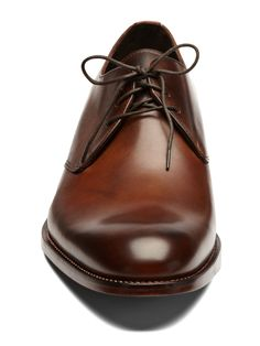 Please wear normal shoes guys.  Stop wearing those pointy elf shoes.