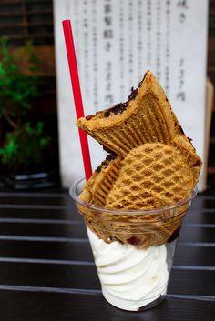 Taiyaki ( たい焼き) with ice cream, via Flickr.