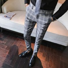 If you are in the market for brand new men's fashion suits, there are a lot of things that you will want to keep in mind to choose the right suits for yourself. Below, we will be going over some of the key tips for buying the best men's fashion suits. Mens Plaid Pants, Plaid Pants Outfit, Men Trousers, Slim Fit Trousers, Men Pants, Suit Pants, Suit Fashion, Fashion Pants, Work Fashion