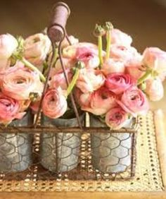 "Designing in tin crates ! Flowers : ranunculus In the language of flowers, a bouquet of ranunculus says, ""I am dazzled by your charms. Fresh Flowers, Pretty In Pink, Beautiful Flowers, Pink Flowers, Pink Roses, Ranunculus Flowers, Ranunculus Wedding, Pink Peonies, Pretty Roses"