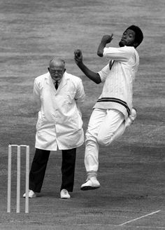 Andy Roberts bowls, England v West Indies, fourth Test, Headingley, 23 July, 1976