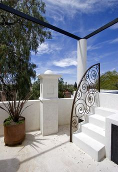 Casa Lluvia Blanca - mediterranean - patio - other metros - House + House Architects Wrought Iron Stairs, Iron Stair Railing, Metal Railings, Hand Railing, Curved Staircase, Staircase Design, Patio Design, Exterior Design, Rooftop Design
