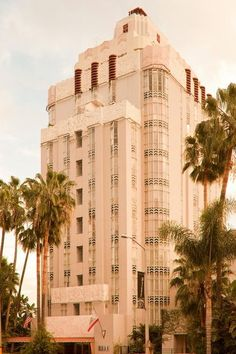 sunset tower also known as the argyle is an art deco hotel that hosts the vanity fair oscar party and also has a peaceful restaurant and pool art deco office tower piet