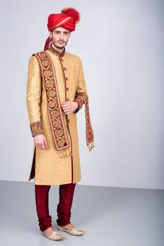 OSHNAAR - golden embroidered sherwani with maroon embroidered stole Indian Wedding Poses, Indian Wedding Outfits, Indian Bridal, Groom Wear, Groom Outfit, Indian Wedding Couple Photography, Photography Couples, Bridal Photography, Groom Wedding Dress
