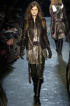 Ann Demeulemeester Fall 2004 Ready-to-Wear Collection Slideshow on Style.com