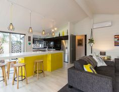 Tracy revives a kiwi icon | Habitat by Resene Interior Color Schemes, Interior Paint Colors, Interior Design, Colour Schemes, Interior Painting, Paint Colours, Black Kitchens, Home Kitchens, Aluminium Joinery