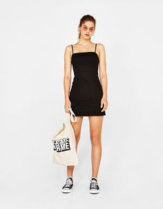 Discover this and many more items in Bershka with new products every week Kpop Outfits, Casual Outfits, Cute Outfits, Outfit Vestido Negro, Girl Body, Work Wardrobe, Occasion Wear, Formal Dresses, How To Wear