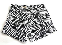 """""""Equitable à porter"""" wearable fair-trade is our motto. When shopping at Petit Pagne, you not only support african-based company, you help training too Printed Shorts, Patterned Shorts, Zebra Print, Lbd, Spring Summer, African, Collection, Fashion Ideas, Shopping"""