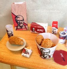 KFC scene and table, comes with everything you see here. 1/12 scale.