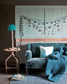 Living inspiration - home decoration Christmas Trends, Modern Christmas, Hanukkah Decorations, Home And Living, Living Room, Blue Rooms, Festival Lights, Interiores Design, E Design