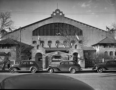 Cowtown Coliseum, then Northside Coliseum and then home to the Southwestern Exposition and Fat Stock Show, c. 1940 . Shown is the front view of the Coliseum , where cars are parked lined up along the sides and curbs. There are three people shown on the left side of the picture . . #countdowntotherodeo 7 Days . . . . . . . . . . . . . . . . . Photo courtesy of UTA Library Digital Collections . #FWhistorical #FortWorthHistorical #FWSSR #texas #tx #history #texashistory #fortworthhistory… Fort Worth Texas, Texas History, Cowgirls, Cowboys, Westerns, Fat, Collections, Digital, People