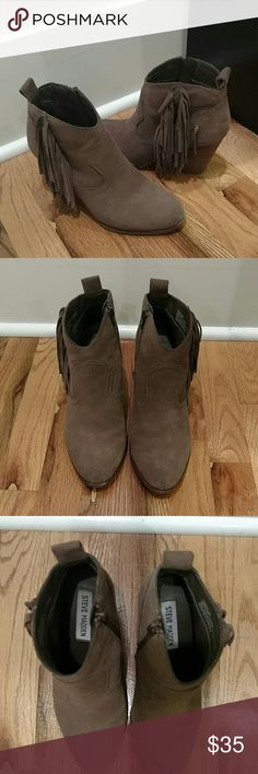 Steve Madden Ohio Fringe Booties Beautiful pair of fringed boots from Steve Madden Steve Madden Shoes Ankle Boots & Booties