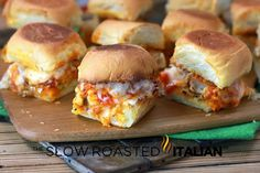 Chicken Parmesan Sliders with sweet dinner rolls toasted with garlic butter and ., Chicken Parmesan Sliders with sweet dinner rolls toasted with garlic butter and topped with Parmesan cheese. Slices of pan fried chicken, marinara sau. Think Food, I Love Food, New Recipes, Cooking Recipes, Favorite Recipes, Cooking Tips, Sauce Marinara, Chicken Marinara, Rotisserie Chicken