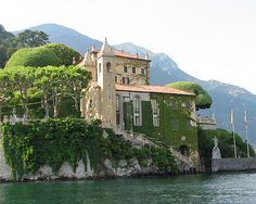 Set right on the shores of Lake Como, surrounded by mountains, this villa encapsulates all that is famous about the beautiful homes of the Italian lake district. Description from destination360.com. I searched for this on bing.com/images