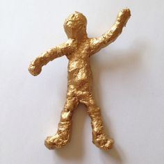 Here's how to make an interesting bronze-effect sculpture using . It's a great hands on messy project perfect for older kids - or to make as a joint project with a younger child.