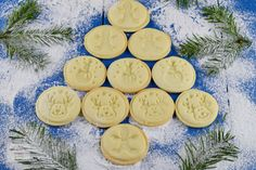 Fursecuri cu stafide - CAIETUL CU RETETE Ballerina Cookies, Baby Food Recipes, Cooking Recipes, Bulgarian Recipes, Cupcake Cookies, Cupcakes, Deserts, Smoothie, Christmas Recipes