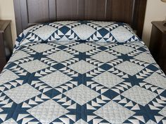 Flying Geese Quilt -- magnificent meticulously made Amish Quilts from Lancaster (hs6407)