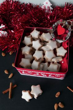 My Dessert, Dessert Recipes, Food Festival, Biscuits, Coconut Flakes, Christmas Cookies, Food And Drink, Ale, Nutrition