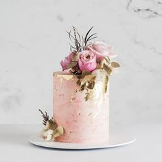 Were in love with this gorgeous rose quartz cake design from & (plus fab fleurs from Wedding Day Wedding Planner Your Big Day Weddings Wedding Dresses Wedding bells Fancy Cakes, Mini Cakes, Cupcake Cakes, Cupcakes, Amazing Wedding Cakes, Amazing Cakes, Pretty Cakes, Beautiful Cakes, Elegant Birthday Cakes