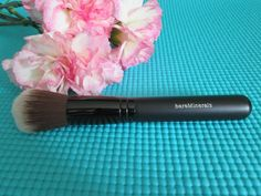 bareminerals double ended full tapered shadow and blush brush 10 95