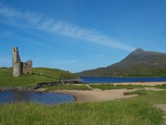 The ruins of Ardvrek Castle on the edge of Loch Assynt beside the - Highlands Visiting Scotland, Scotland Travel, Scotland Castles, Castle House, Outlander Series, Jamie Fraser, Forts, Highlands, Day Trips