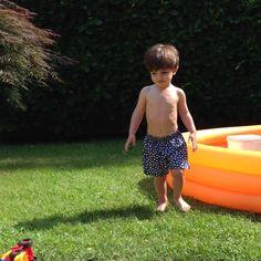 Selini Action: un brand innovativo per l'outfit da piscina di Edoardo!