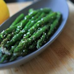 """""""Everything"""" Seasoning Air Fryer Asparagus Pan Fried Asparagus, Ways To Cook Asparagus, Easy Asparagus Recipes, Saute Asparagus, Asparagus Dishes, Microwave Sweet Potato Chips, Italian Side Dishes, Creamed Peas, Sauteed Greens"""